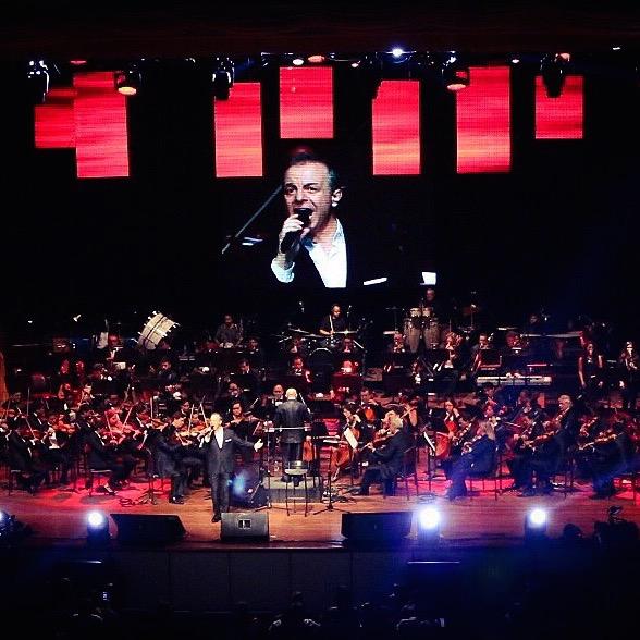 Centenares de personas quedan afuera de gran concierto de Alberto Plaza en Ecuador Image
